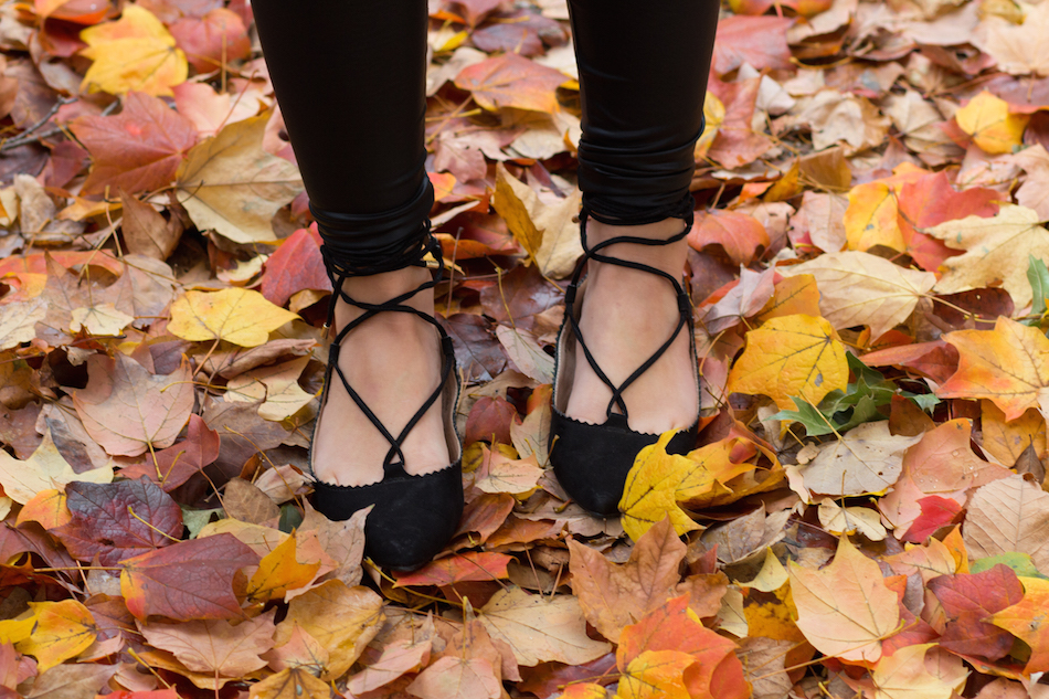 leather leggings + lace up flats