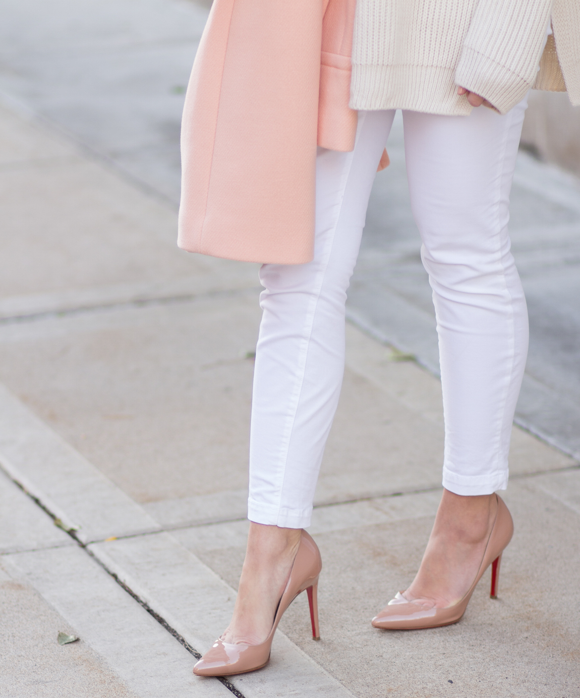 nude heels + white pants